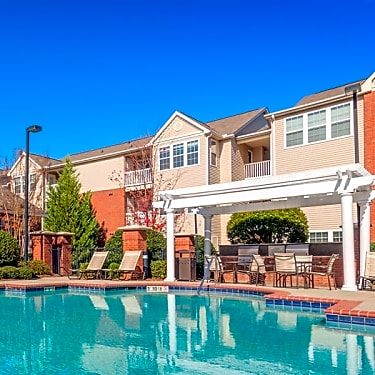 Colonial Grand At University Center 608 Mccullough Drive