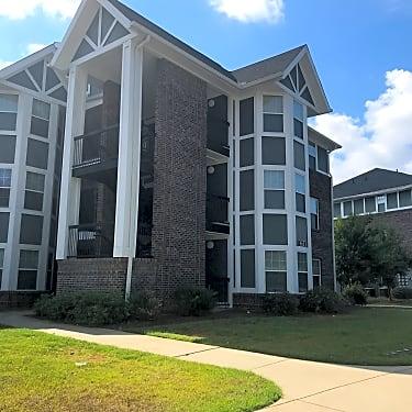 Brookhollow Place Apartments