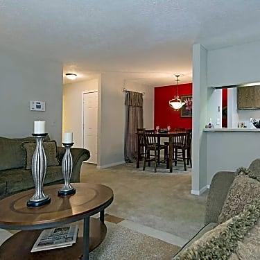 Retreat At Stone Mountain 400 Ashley Pl Stone Mountain Ga Apartments For Rent Rent Com