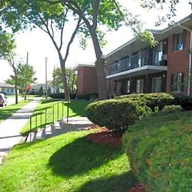 Penn Arms Apartments - 7607 West Waterford Avenue | Milwaukee, WI
