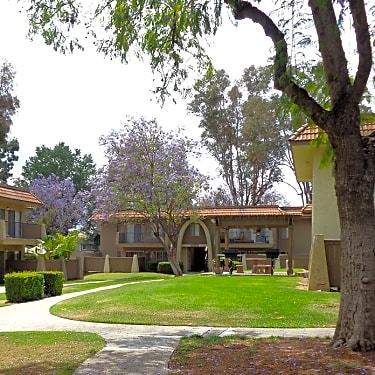 Monte Vista Apartment Homes 1825 Foothill Boulevard La Verne Ca