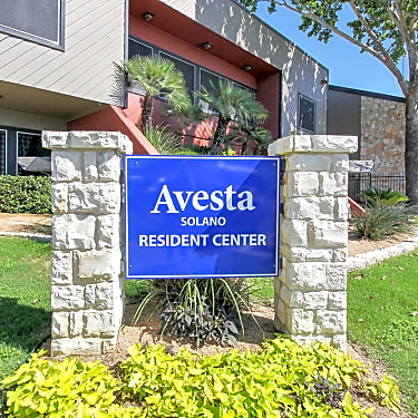 Starburst Apartments 8900 N I H 35 Austin Tx Apartments For Rent Rent Com