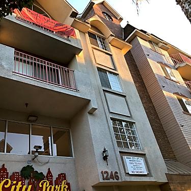 City Park Apartments Usc 1246 W 30th St Los Angeles Ca Apartments For Rent Rent Com