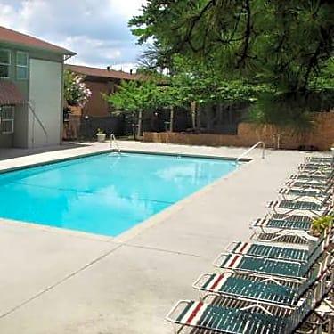 Cascade Glen Apartments 3901 Campbellton Rd Sw Atlanta Ga Apartments For Rent Rent Com