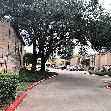 Bayou Bend Apartments