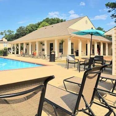 Fairway View 2225 College Dr Baton Rouge La Apartments For Rent Rent Com