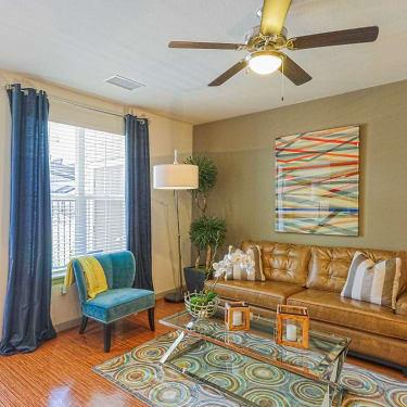 Centro 10901 E Garden Drive Aurora Co Apartments For Rent Rent Com