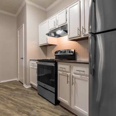 The Champions Of North Dallas 4912 Haverwood Ln Dallas Tx Apartments For Rent Rent Com