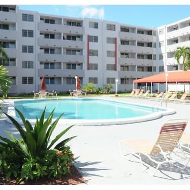 Suncoast Place Apartments 999 Ne 167th Street North Miami Beach