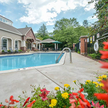 Marvelous Parkers Lake Apartments Home Interior And Landscaping Mentranervesignezvosmurscom