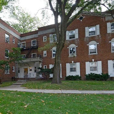 Colonial Gardens Apartments