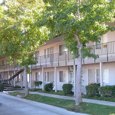 Palm Mesa 1561 Mesa Drive Newport Beach Ca Apartments For Rent