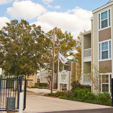 Willowood Apartments