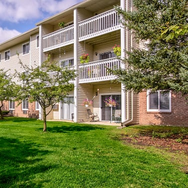 Parkside Of Livonia Independent Senior Living