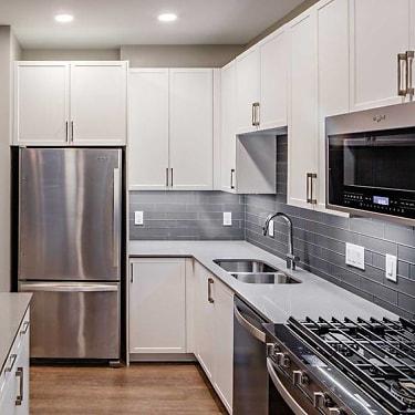 Avalon Teaneck 1775 Windsor Rd Teaneck Nj Apartments For Rent Rent Com