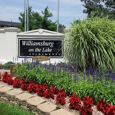 Williamsburg on The Lake Apartments of Valparaiso - 2810 Winchester ...