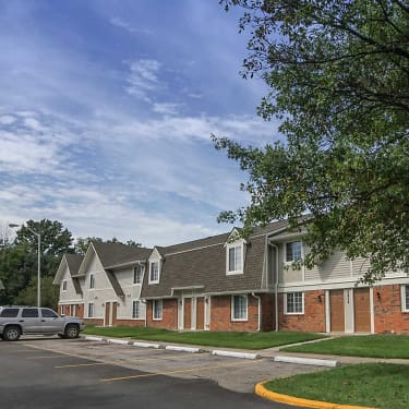 Country Lake Townhomes - 2910-A White Knight Boulevard ... on coventry house plan, two-story luxury house floor plans, two-story addition to ranch house plans, grand hotel floor plans,