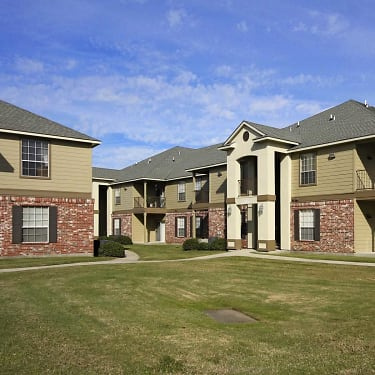 Muriel Crossing Apartments