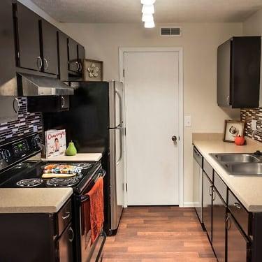 Parkview Apartments 5400 Diamond Loch Columbus Oh Apartments For Rent Rent Com