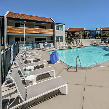 Beverly Plaza Apartments 2000 Park Avenue Long Beach Ca