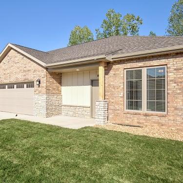Emerald Villas 55 3621 E Seminole Street Springfield Mo Apartments For Rent Rent Com