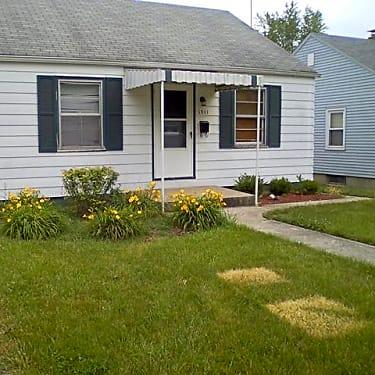 1311 Ferguson Ave 1311 Ferguson Ave Fort Wayne In Houses For