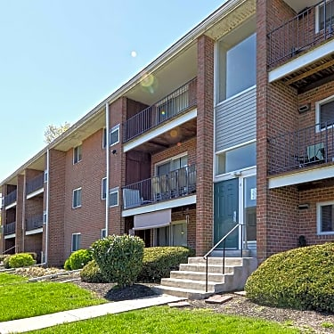 Canal House 126 East Maple Avenue Morrisville Pa Apartments For