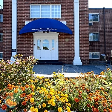 mansion house apartments east providence 2928 2930 pawtucket