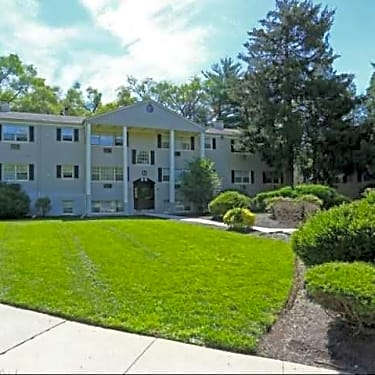 Wellington Woods 1 Sweetbriar Road Morrisville Pa Apartments