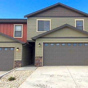Nd Ridge Town Homes 1075 Elm Avenue Dickinson Nd Townhome For