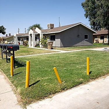 Little Village 714 Smith St Bakersfield Ca Apartments For Rent