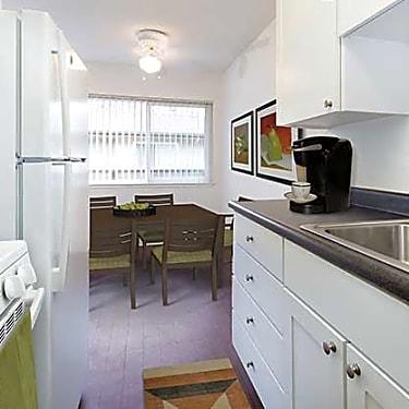 Eaves Creekside 151 Calderon Avenue Mountain View Ca Apartments