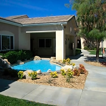 Cedar Creek Apartments 1530 West Avenue K 8 Lancaster Ca