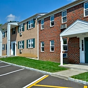 Americana Apartments 371 Plaza Boulevard Morrisville Pa