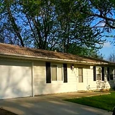 302 Waverly Dr 302 Waverly Dr Normal Il Houses For Rent Rent