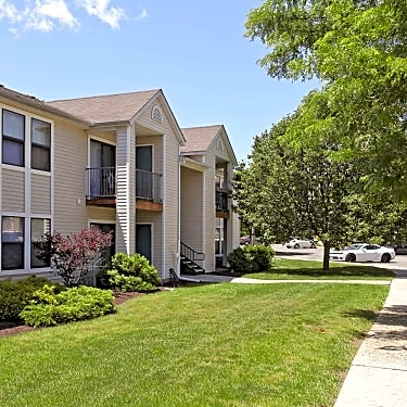 Boulder Pointe 201 Genung Street Middletown Ny Apartments For