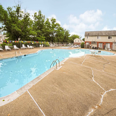 Williamsburg Park Apartments 2675 Hungary Spring Rd Henrico Va Apartments For Rent Rent Com
