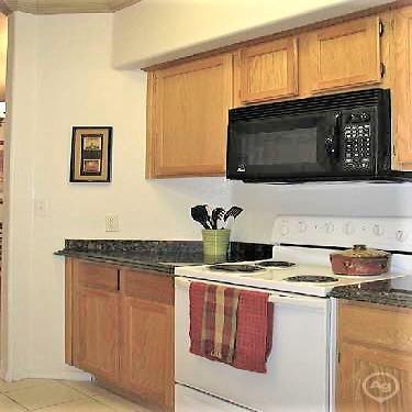 Desert Jewel 2800 N Arizona Ave Chandler Az Apartments For Rent Rent Com
