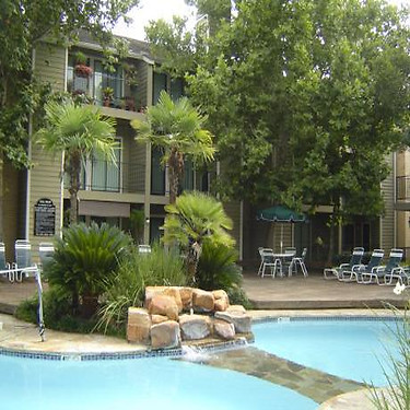 Eagle Hollow Apartments 11900 Wickchester Ln Houston Tx Apartments For Rent Rent Com