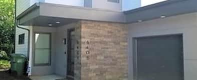 640 Marion St SE