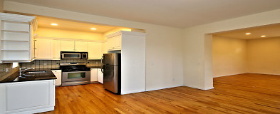 Queens, NY Houses for Rent - 3557 Houses | Rent com®