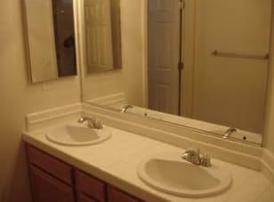 9981 Rio Bravo Upstairs Bath.jpg