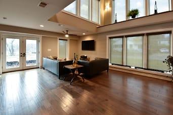 1519 living room 2.jpg