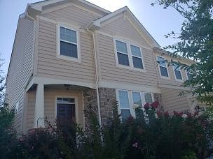 house - outside2.jpg