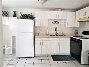 296a kitchen.jpeg