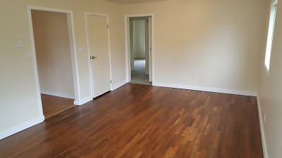 Rental LR Wood Floor .jpg