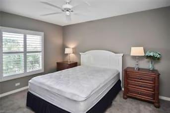 724 Second bedroom.jpg