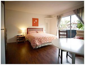 main room 4.jpg