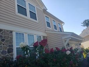 house - outside1.jpg