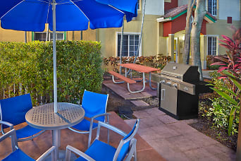 TownPlace_Suites_Marriott_Hotel_Weston_8'16_pPbbq-60mb.jpg